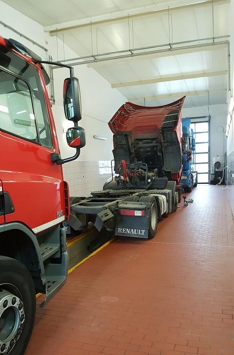 Serwis samochodów ciężarowych, naczep, autobusów